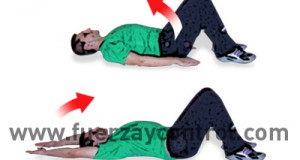 Ejercicio de movilidad de hombros tumbado boca arriba