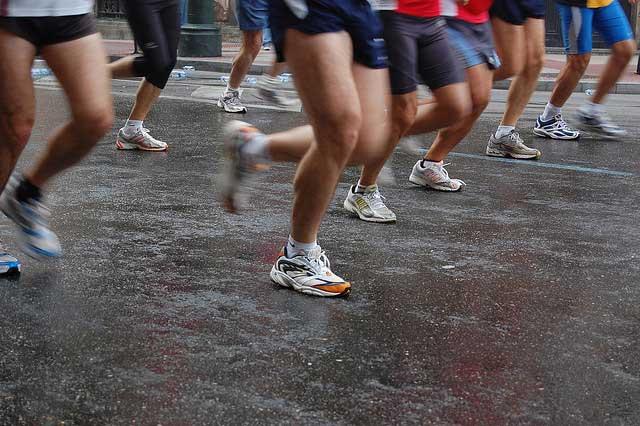 Fases de una carrera de atletismo de 100 metros lisos