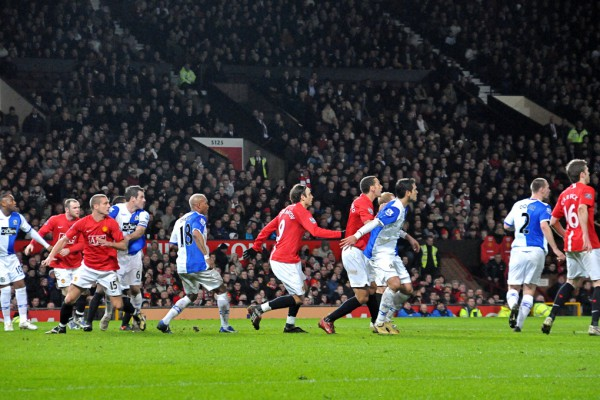 Manchester United Defend